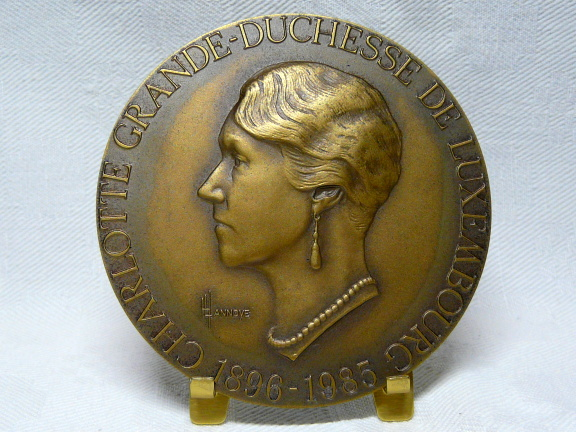 Tribute to the Grand Duchess Charlotte medal Henri Lannoye 1919